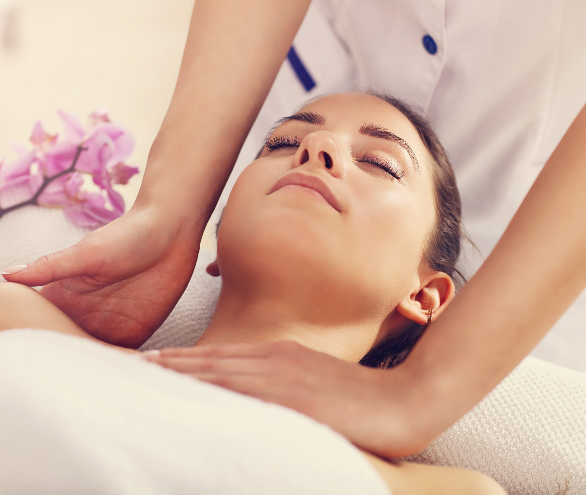 Fame International Day Spa & Hair Salon Relaxation Massage Services